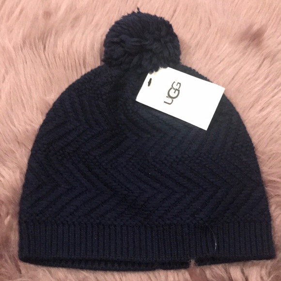 99299deaad9 Ugg Australia knit navy Pom beanie